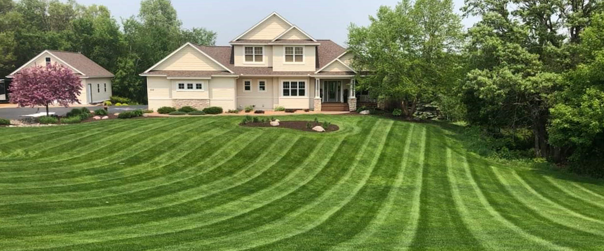 Lawn Care & Lawn Maintenance Services
